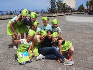 Lis Peña con los ocho semifinalistas del II Sabores del Norte Junior